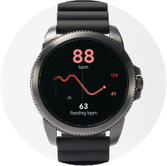 A Gen 5E displays a heart rate next to a smartphone displaying a runner's route.